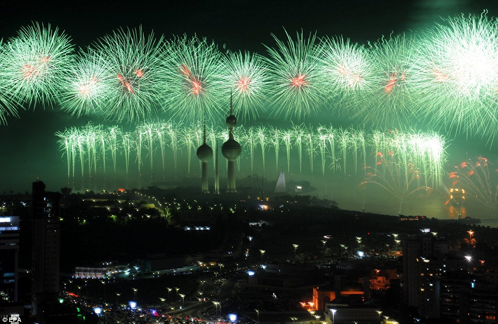Kuwait Delivers The Biggest Fireworks Display Ever